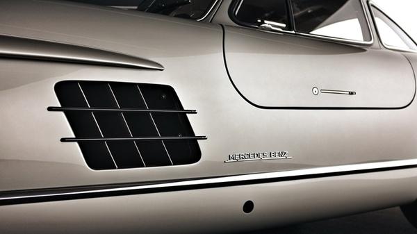 Detalle de un Mercedes SL Alas de Gaviota - Foto: www.pinterest.com