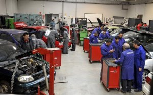 Foto de un taller mecánico - Foto: www.croem.es