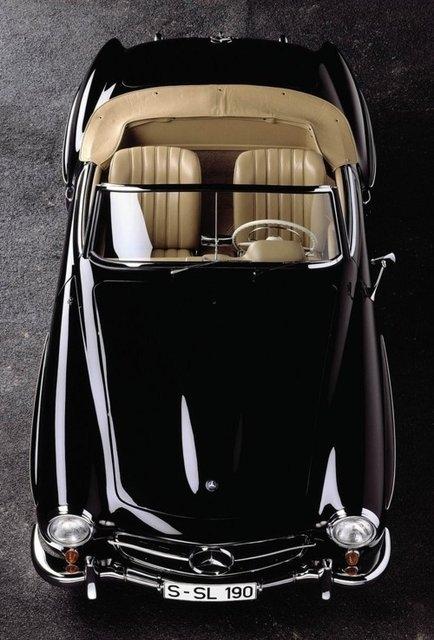 Mercedes SL Roadster con el techo abierto - Foto: www.pinterest.com
