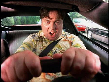 Un hombre sufre amaxofobia - Foto: www.pasodepeatones.com