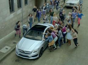 Anuncio Mercedes-Benz - Foto: www.atraccion360.com/
