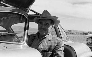 Clark Gable en un Mercedes Alas de Gaviota - Foto: http://motorhistoria.blogspot.com.es/