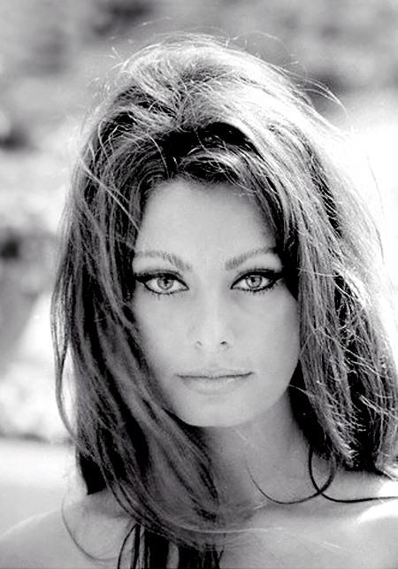 La mirada felina de Sophia Loren - Foto: http://lasaficionesdelvaron.blogspot.com.es/