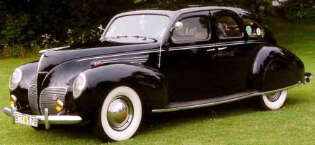 Lincoln Zephyr V12 4-D Sedan de 1938 - Foto: Wikipedia