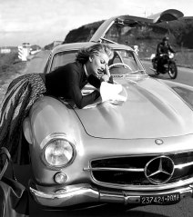 Sophia Loren Mercedes 300 SL Gullwing - Foto: http://uygarr.blogspot.com.es/