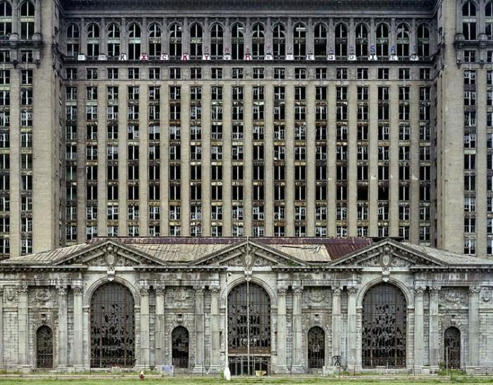 Fabrica abandonada en Detroit - Foto: http://comerviajaramar.wordpress.com
