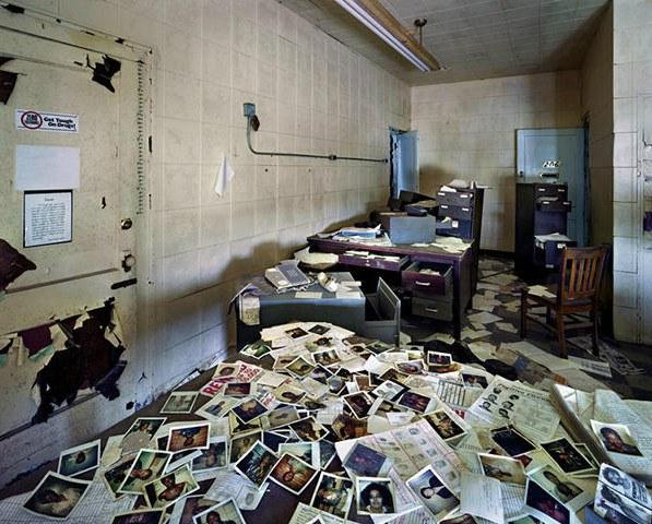 Oficina abandonada en Detroit - Foto: http://comerviajaramar.wordpress.com