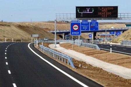 Autopista de peaje R-2 - Foto: http://dfc-economiahistoria.blogspot.com