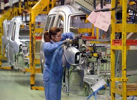 Interior de una fábrica de coches - Foto: http://apuntesdefoto.blogspot.com.es