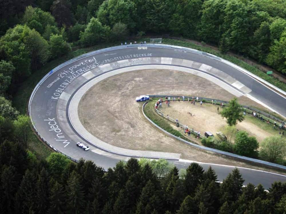 Curva espectacular en el circuito de Nürburgring - Foto: http://cdn.caradvice.com.au/