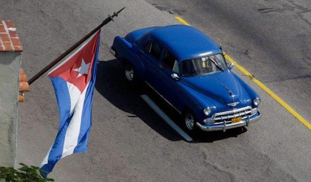 Clásico americano de los años cincuenta en Cuba - Foto: www.diariomotor.com