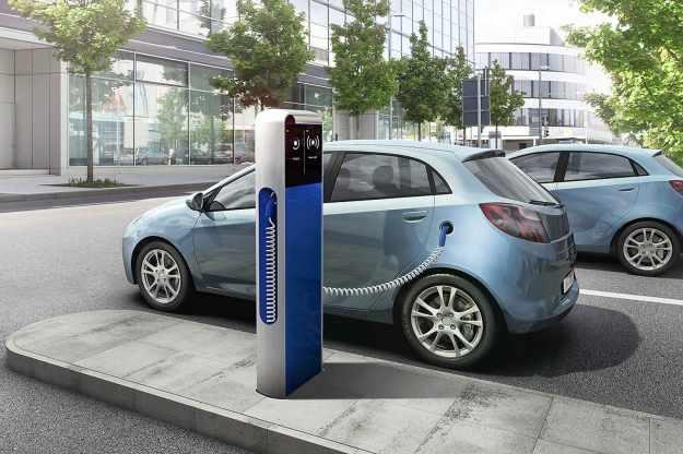 vehiculo-electrico-punto-de-recarga