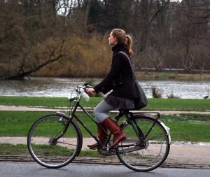ciclista-en-parque