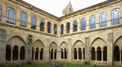 claustro-monasterio-sta-maria-real